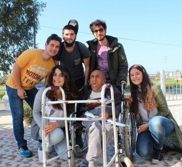 Öğrencilerimiz Meros Yaşlı Bakım Evi'ni Ziyaret Etti