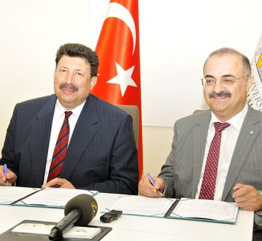 Cooperation Agreement Has Been Signed Between ITU-TRNC And Selçuk University